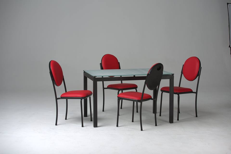 cityshop table de cuisine agatha vitre sabl 4 chaises armony capitonn. Black Bedroom Furniture Sets. Home Design Ideas