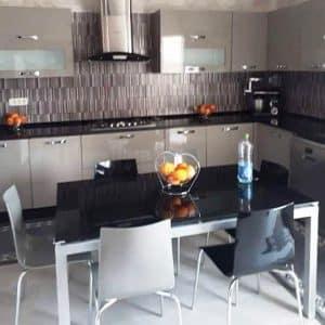 Table de cuisine agatha 150x90cm vitre coloré + 6 chaises zip